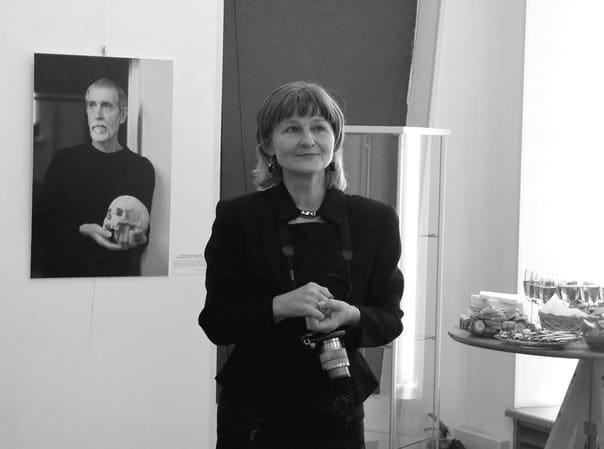 Николай Абрамов. Ирина Ларионова на вернисаже своей выставки