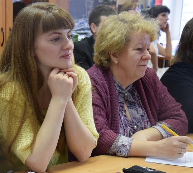 Учитель истории Анастасия Щербакова (слева) и сотрудник Центра развития образования Ирина Шарлаева