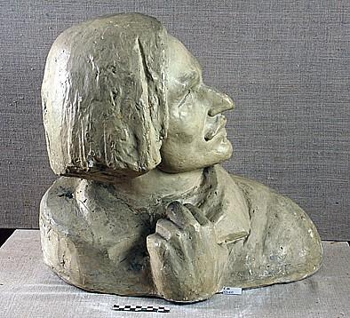 Марина Давыдовна Рындзюнская. Николай Васильевич Гоголь. 1939. Гипс тонированный