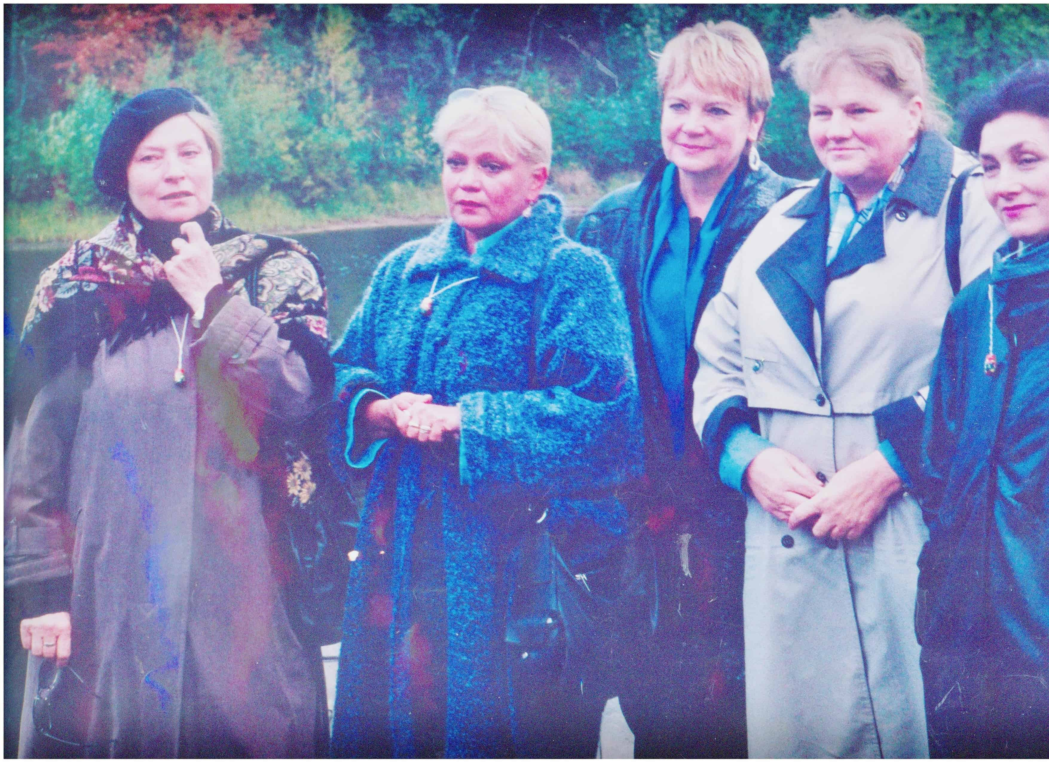 Слева направо:Людмила Зайцева,Ирина Шевчук,Светлана Борисова,Ирина Долганова.В Сяргилахте.Почти на том месте ,откуда нас,раненых увезли.