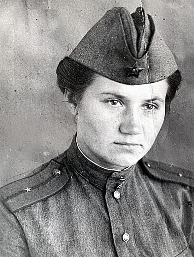 Зинаида Григорьева. Погибла в возрасте 17 лет при выполнении боевого задания