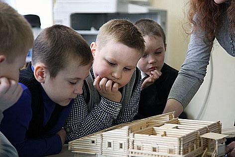 """Экскурсия для школьников в фондохранилище музея """"Кижи"""""""
