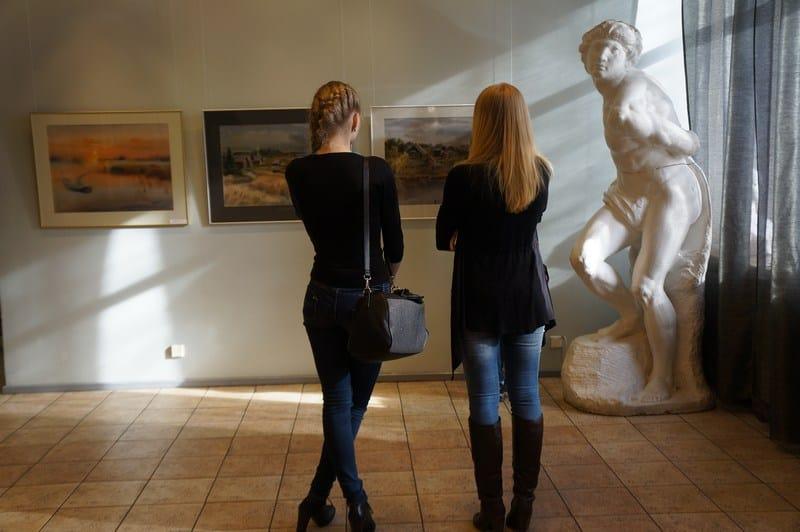 На выставке Юлии Коросовой