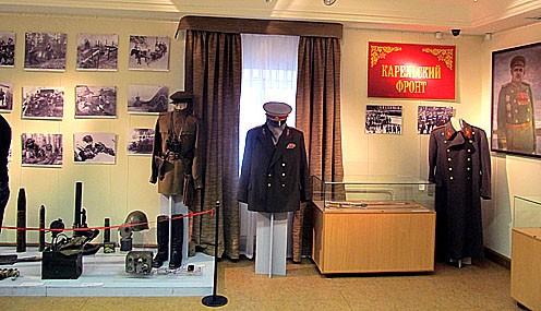 На вернисаже в Национальном музее Карелии