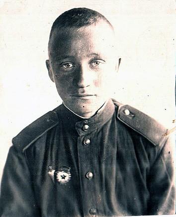 Николай Васильевич Холкин (1925-1945). Уроженец города Пудожа, участник Великой Отечественной войны