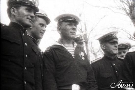 Участники митинга 9 мая 1945 года в Петрозаводске