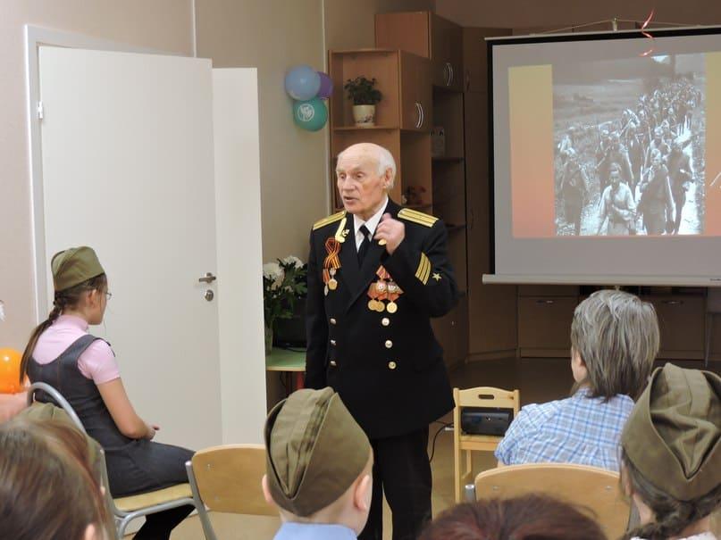Встреча с ветераном в центре Родник