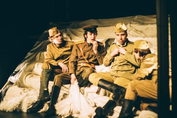 Баллады о солдатах. Фото  театра ТМ
