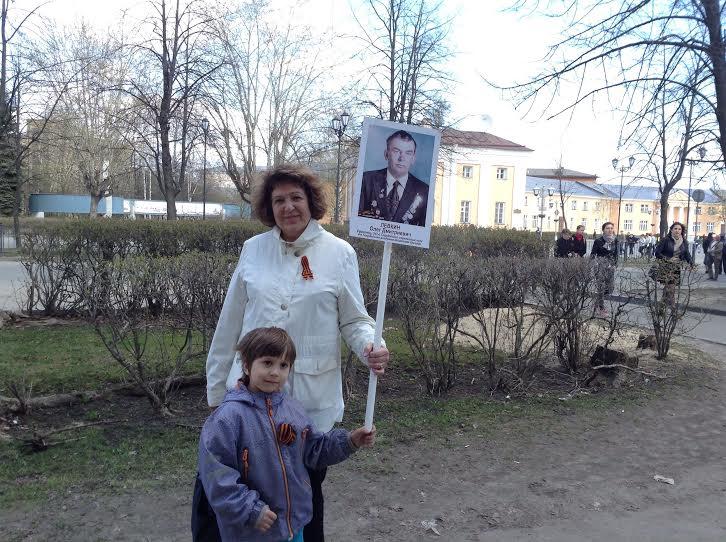 Петрозаводск. Екатерина Левкина с внуком. Фото Натальи Мешковой