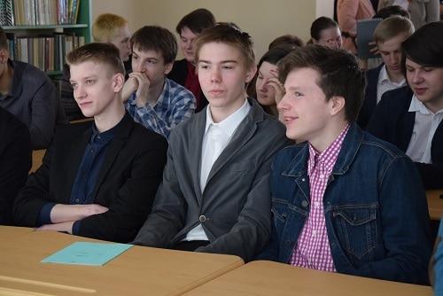 """Деловая игра  """"500 дней до вуза"""" в Петровской школе"""