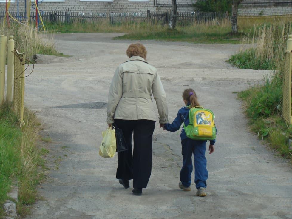 В школу. Фото Ирины Ларионовой