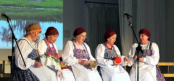 Фольклорная группа «Сударушка» из поселка Красноборский Пудожского района