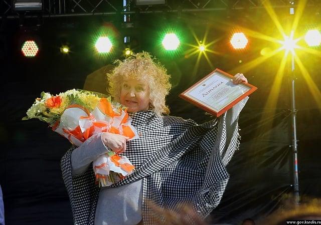 Людмила Баулина, исполнительница одной из главных ролей в спектакле «Про мою маму и про меня»