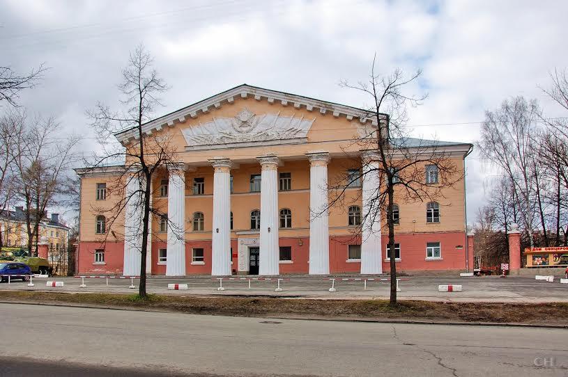 Дом офицеров в Петрозаводске. Фото Сергея Никитина