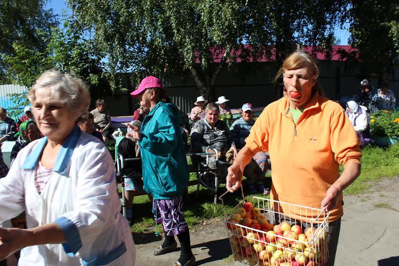 В праздник Яблочный Спас