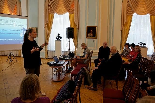 Мария Юфа, директор Городского выставочного зала, подводит итоги совместных проектов с финскими художниками