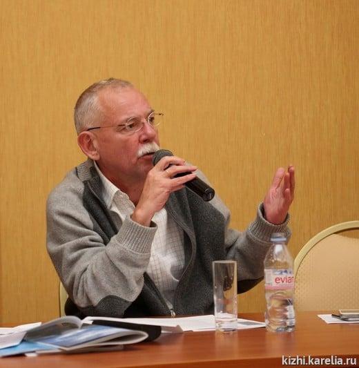 Андрей Нелидов председательствует на последнем заседании Общественного совета 8 сентября 2015 года