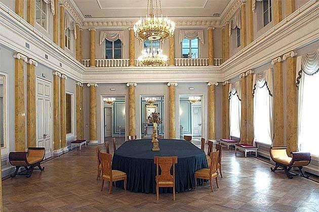 Зал Беседы любителей русского слова в музее-усадьбе Державина в Петербурге