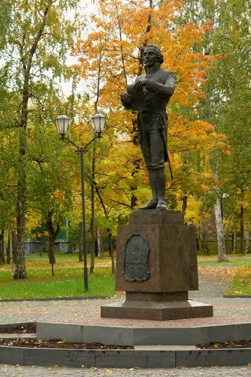 Памятник Державину в Петрозаводске