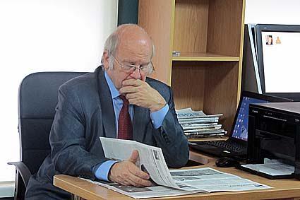 Директор Всесоюзного музея А.С. Пушкина С.М. Некрасов в музее в Шелтозеро