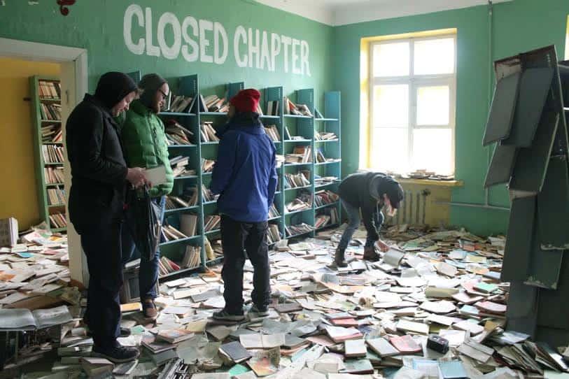Заброшенная школа в Териберке
