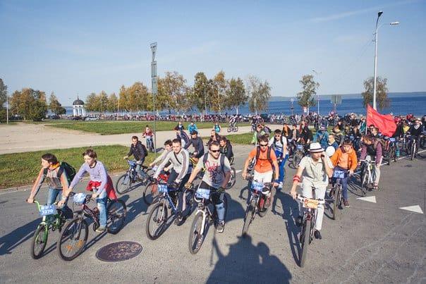 Велодень в советском стиле 21 сентября 2014 года. Фото из группы vk.com/disco_veloday