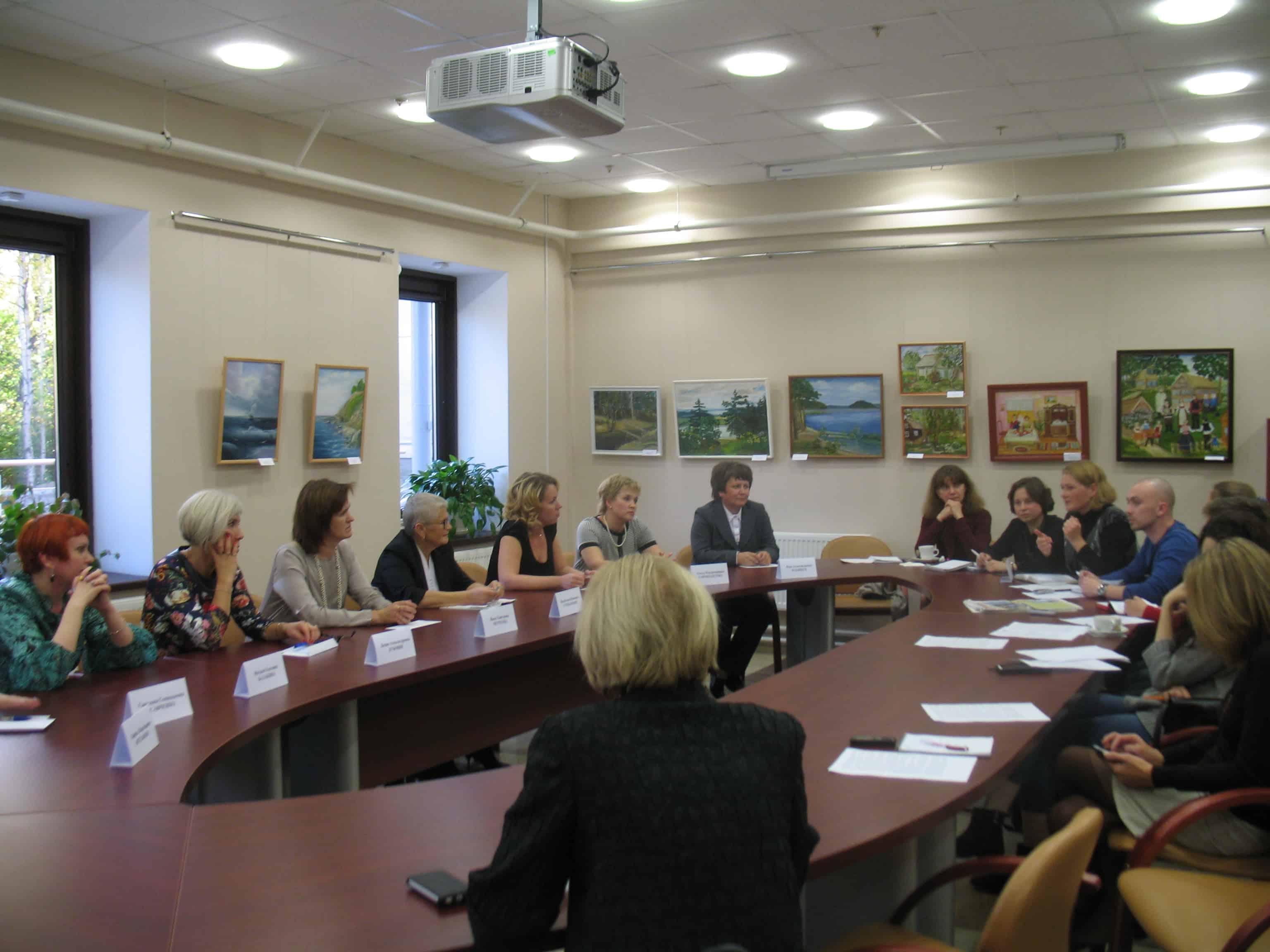 Учителя и журналисты встретились за круглым столом в Национальной библиотеке