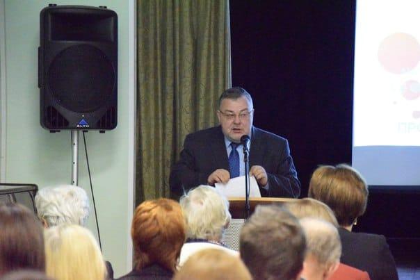 Министр образования Карелии Александр Морозов призвал молодых учителей читать Фрадкова