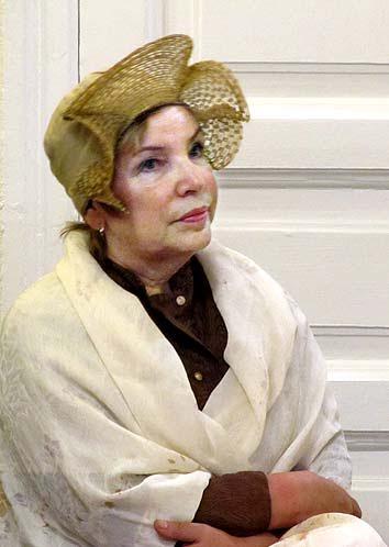 Внучка знаменитого сказителя Никиты Ремезова, директор Авдеевской  средней школы Надежда Зеленько исполнила в концерте былины своего сочинения