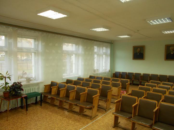 Концертный зал Медвежьегосркой ДМШ - кому он приглянулся?