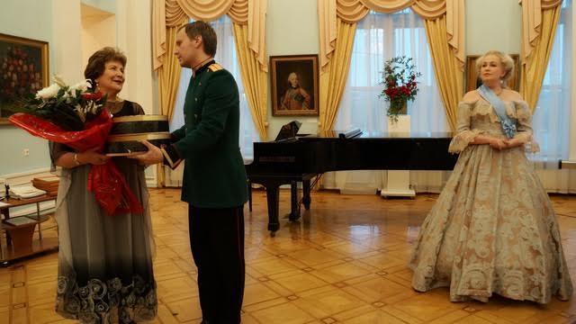 Поздравить прибыла лично сама Екатерина Великая со свитой