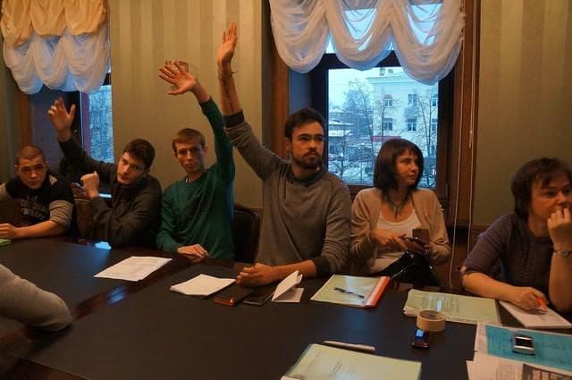 Петрозаводские студенты обсудили проблемы пожилых людей (фоторепортаж)