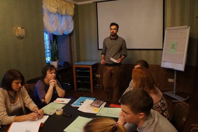 От имени своей команды с защитой тезисов выступает  Кирилл Гостин