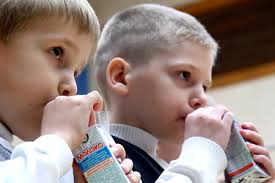 Петрозаводские школьники начнут получать молоко не ранее декабря