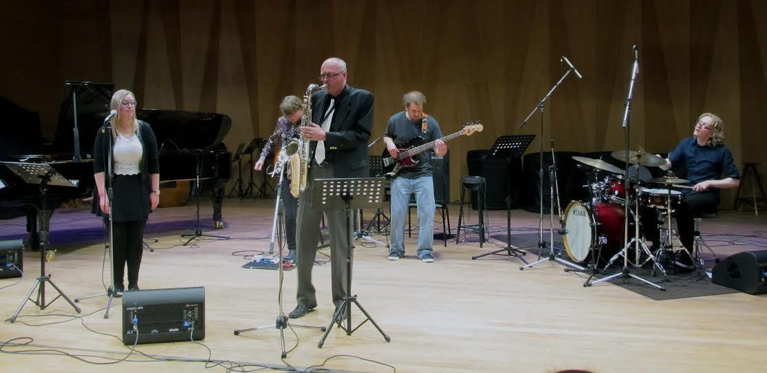 Финская группа «Савипето». Саксофонист  Пекка Тойвонен