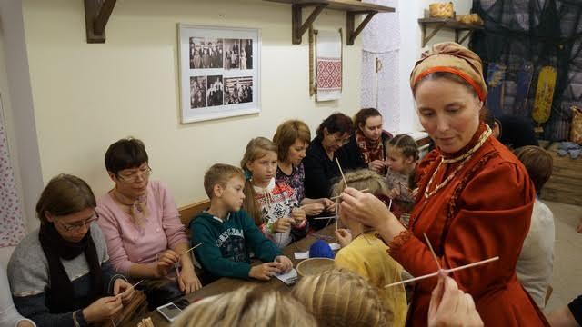 Мастер-класс «Сотвори чудо»  по изготовлению традиционного оберега из ниток