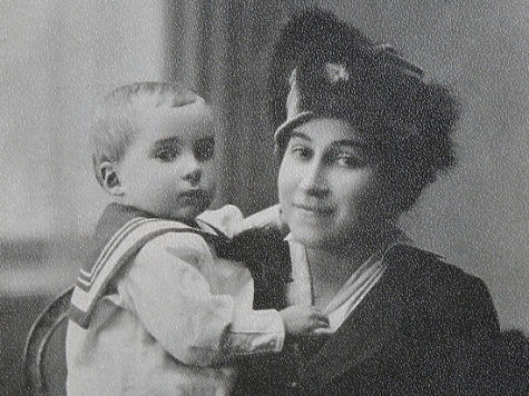 Алеша Симонов с мамой