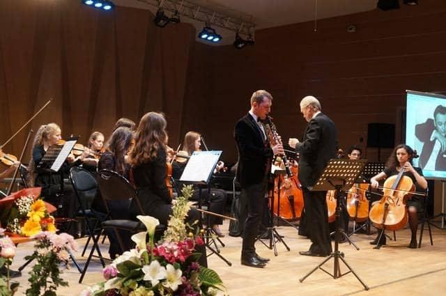 Камерный оркестр NORD-WEST STUDIUM. Художественный руководитель  Эдуард Зондерегер,солист Андрей Шибанов