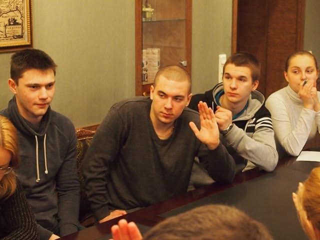 «Молодежный клуб «Дебаты»