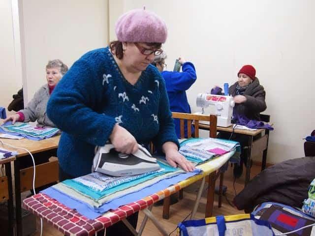 Нине Дубовской понравилась идея сшить одеяло за пять занятий