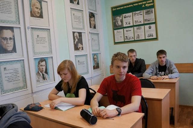 В Петрозаводском автотранспортном техникуме. Фото Ирины Ларионовой