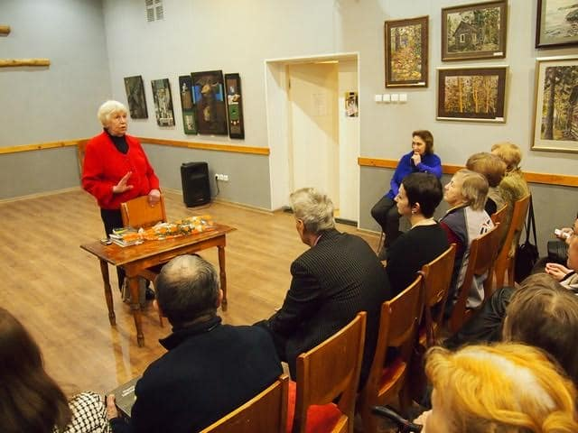 Наталья Ларцева: «Цветаеву прошу поэтессой не называть. Она – поэт»