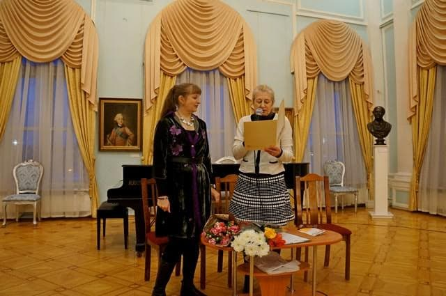 Маргарита Юфа и замдиректора музея Ирина Куспак