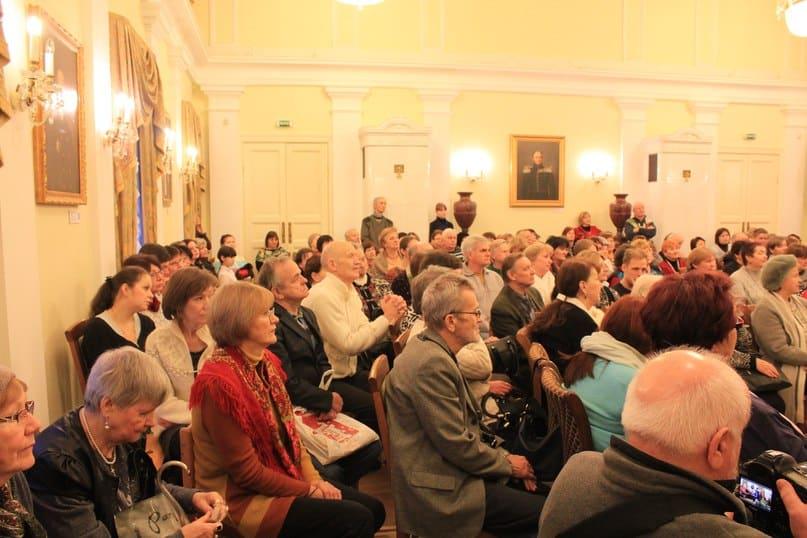 Зал был переполнен... Фото Михаила Мешкова