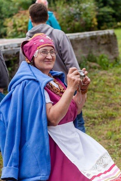 Валентина Либерцова в карельском костюме