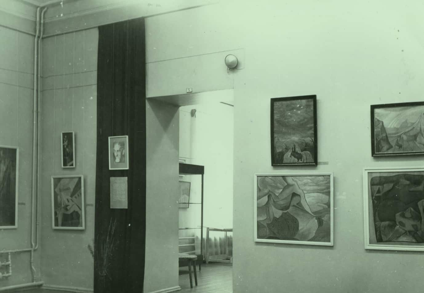 Зал Фатеева. Музей ИЗО РК. 1989 год