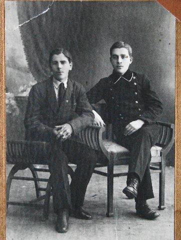 Котиковы - Владимир (справа) вместе с братом Павлом