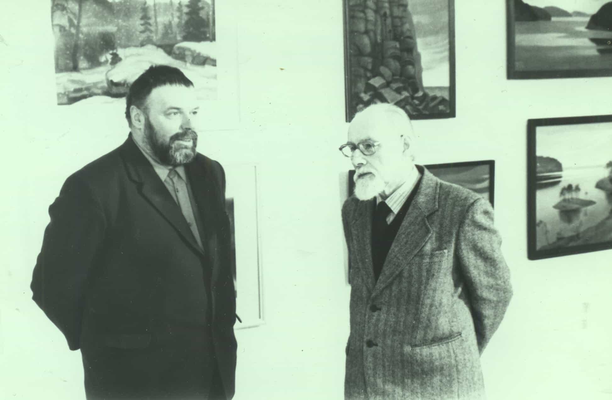 Ю.В. Линник и Б.А. Смирнов-Русецкий на выставке художника. Музей ИЗО РК. 3 марта 1987 г. Фото Д. Москина