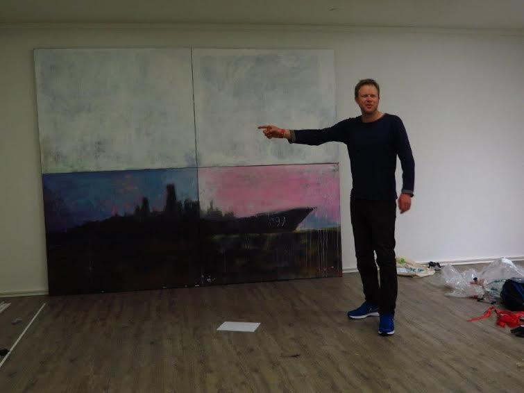 Вемунд Туе со своей картиной