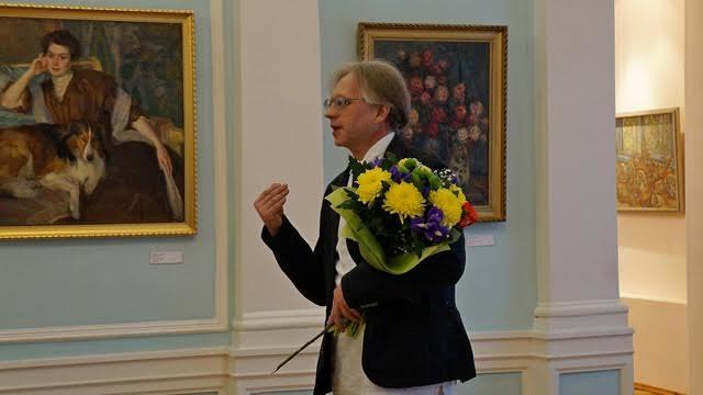 Игорь Гашков признается, что, как и многие, с детства мечтал выставить свои работы в Музее изобразительных искусств
